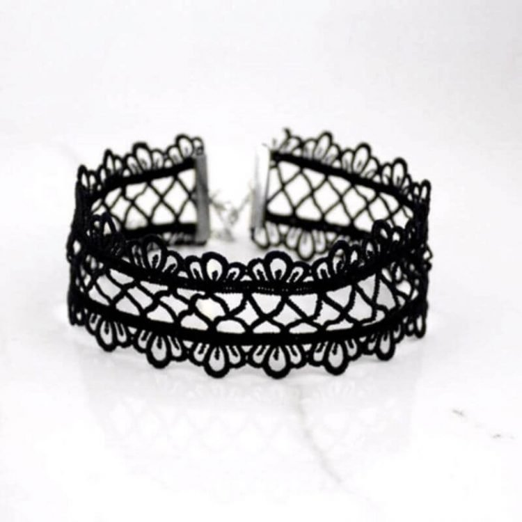Hollow Out Lace Choker Sexy Necklace
